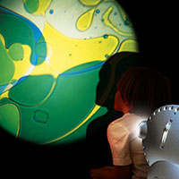 Sensory projector with child blue yellow
